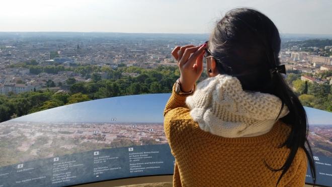 Pemandangan dari atas menara magne