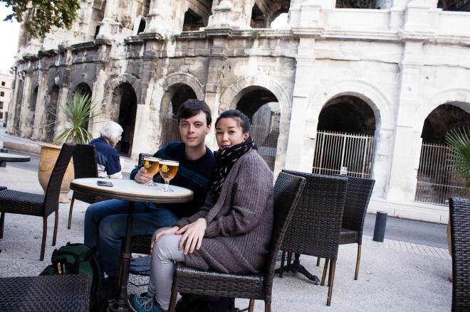 Aku dan si pacar di sebuah restaurant dekat Arènes de Nîmes