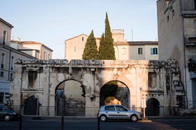 La porte d'Auguste, pintu masuk pertama untuk masuk ke dalam kota Nîmes pada masa Romawi