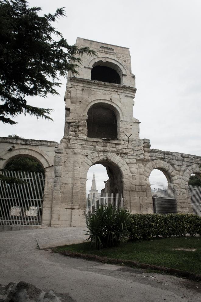 Menara selatan di Le theatre antique Arles atau teater kuno